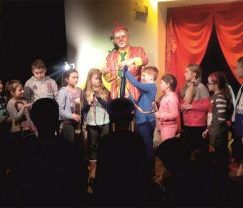 Spektakl dla dzieci Kraina Szczęścia