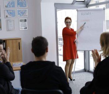 """""""Uwierz w siebie, czyli jak przejąć kontrolę nad swoim życiem"""" – zapisy na warsztaty dla rodziców w Olsztynie"""