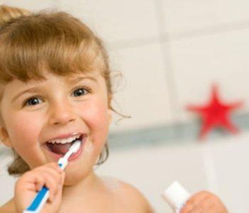 dentysta dziecko zęby mycie zębów