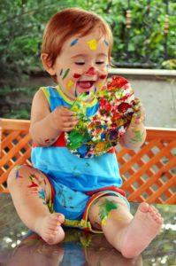 Zachęcanie dziecka do zabaw plastycznych