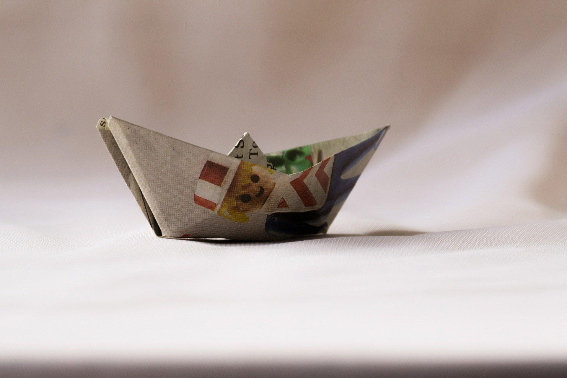 łódka z papieru pirackie urodziny