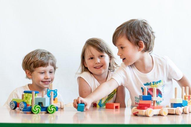 Zajęcia adaptacyjno-edukacyjne MiniCiuchcia dla dzieci od roku do 4 lat z opiekunem