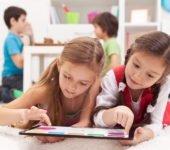 Jak oderwać dziecko od smartfona