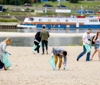 Barefoot CZysta Plaża
