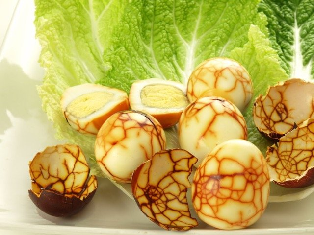 przepis na marmurkowe jajka