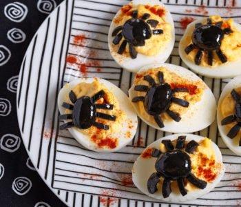 przepis na jajka faszerowane z pająkami