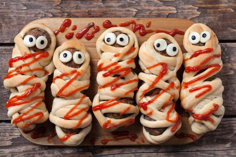 przepis na mumie na Halloween
