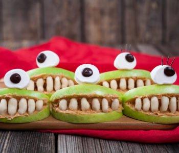 Przepis na zębatą paszczę z jabłka – sztuczna szczęka