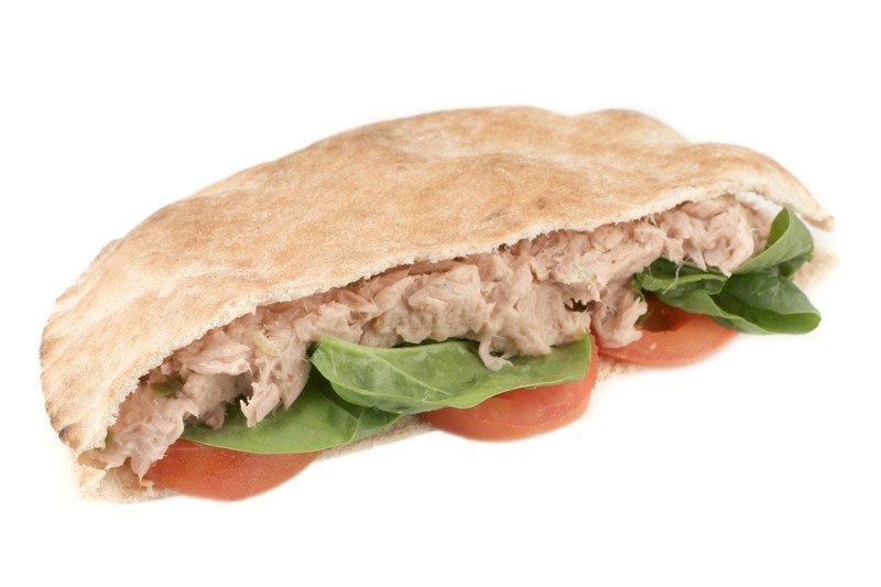 przepis na kanapkę z pastą z tuńczyka po amerykańsku