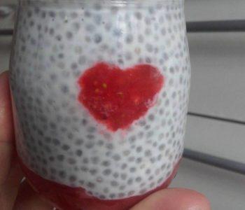 Przepis na pudding  z truskawkowym sercem