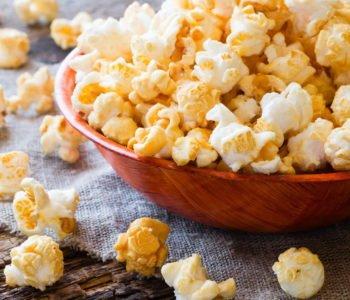 Jak zrobić domowy popcorn dla dzieci? Przepis