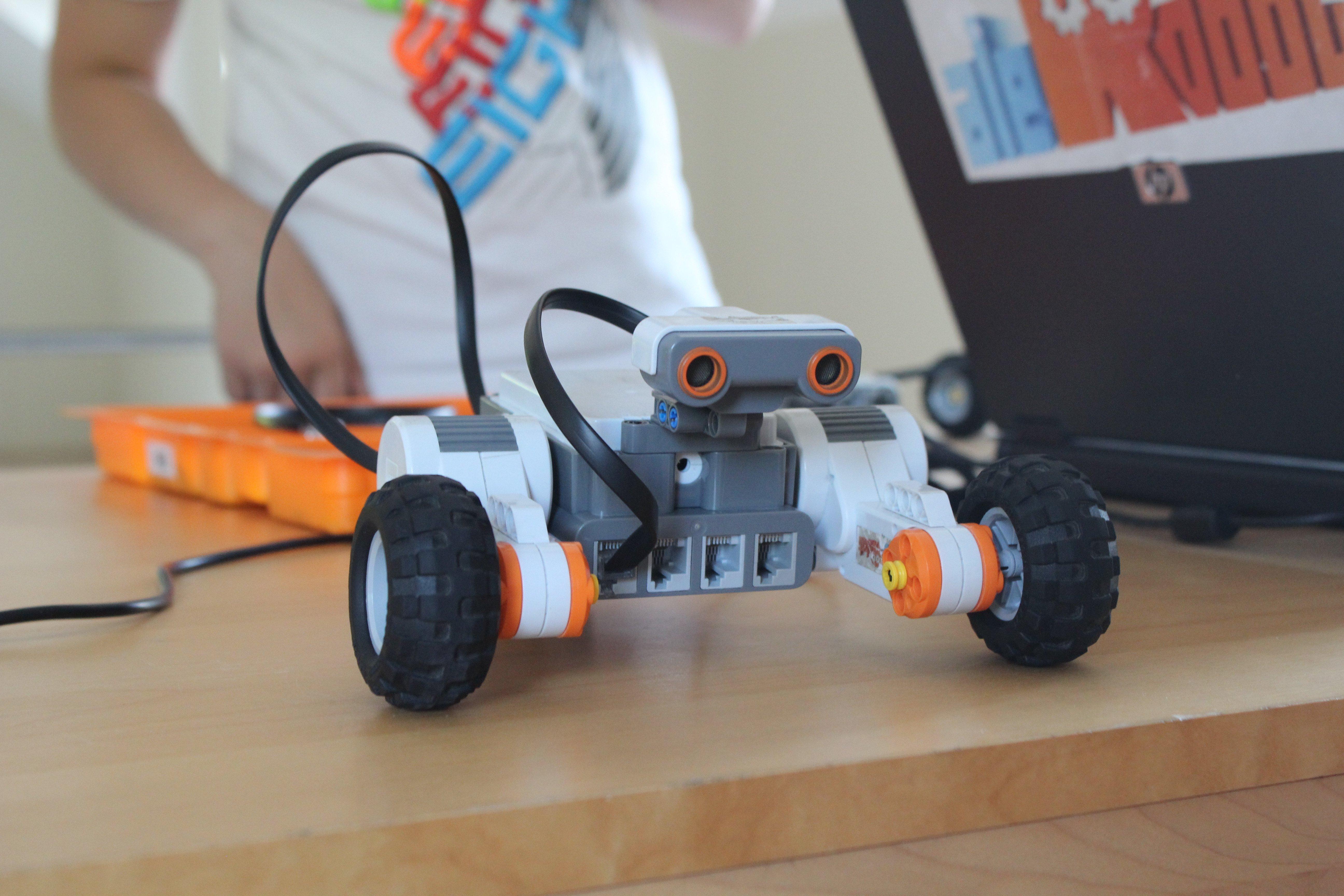 Niesamowite inteligentne konstrukcje z klocków Lego – to wszystko na zajęciach z Ale Robot