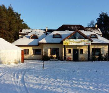 Zimowa Wioska Bullerbyn - kameralne ferie blisko Warszawy