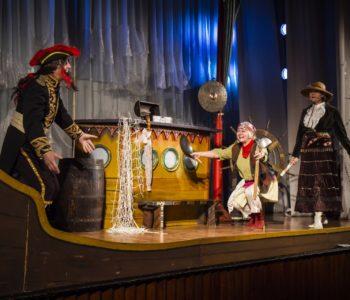 Repertuar Teatru Piccolo dla dzieci w listopadzie – Zakochany miś