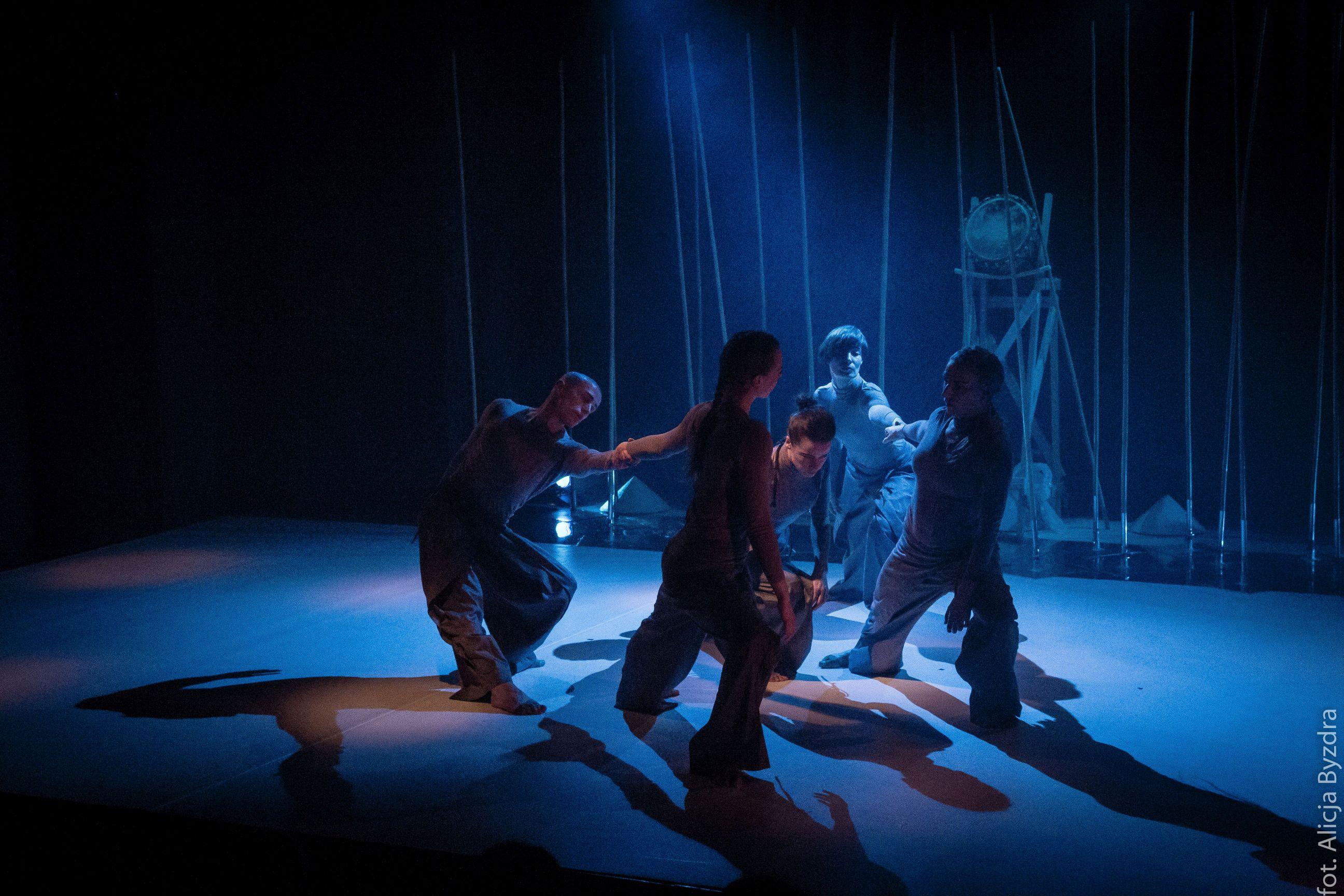 Spektakl- Essenita teatr na plaży w Sopocie