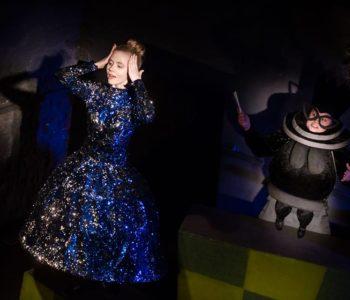 Alicja po drugiej stronie lustra – spektakl