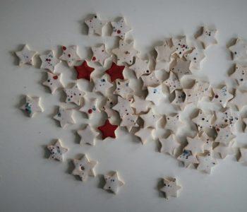 Rodzinne przedświąteczne warsztaty z ceramiki w Glinianej Kuli