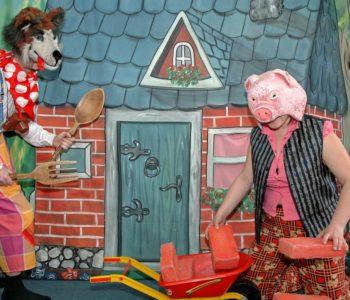 Teatrzyki Niedzielne: Przygody świnek