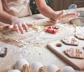 Moc świątecznych atrakcji – warsztaty pieczenia pierniczków i tworzenia stroików świątecznych
