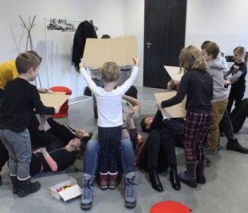Działania rodzinne: Praca wyobraźni, sztuka i przyszłość