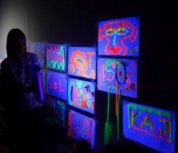Tęcza. Warsztaty z cyklu Co robi artysta? - dla rodzin z dziećmi z autyzmem