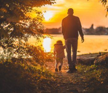 Mój tata to podróżnik piosenka dla taty. Piosenki i wiersze na Dzień Ojca