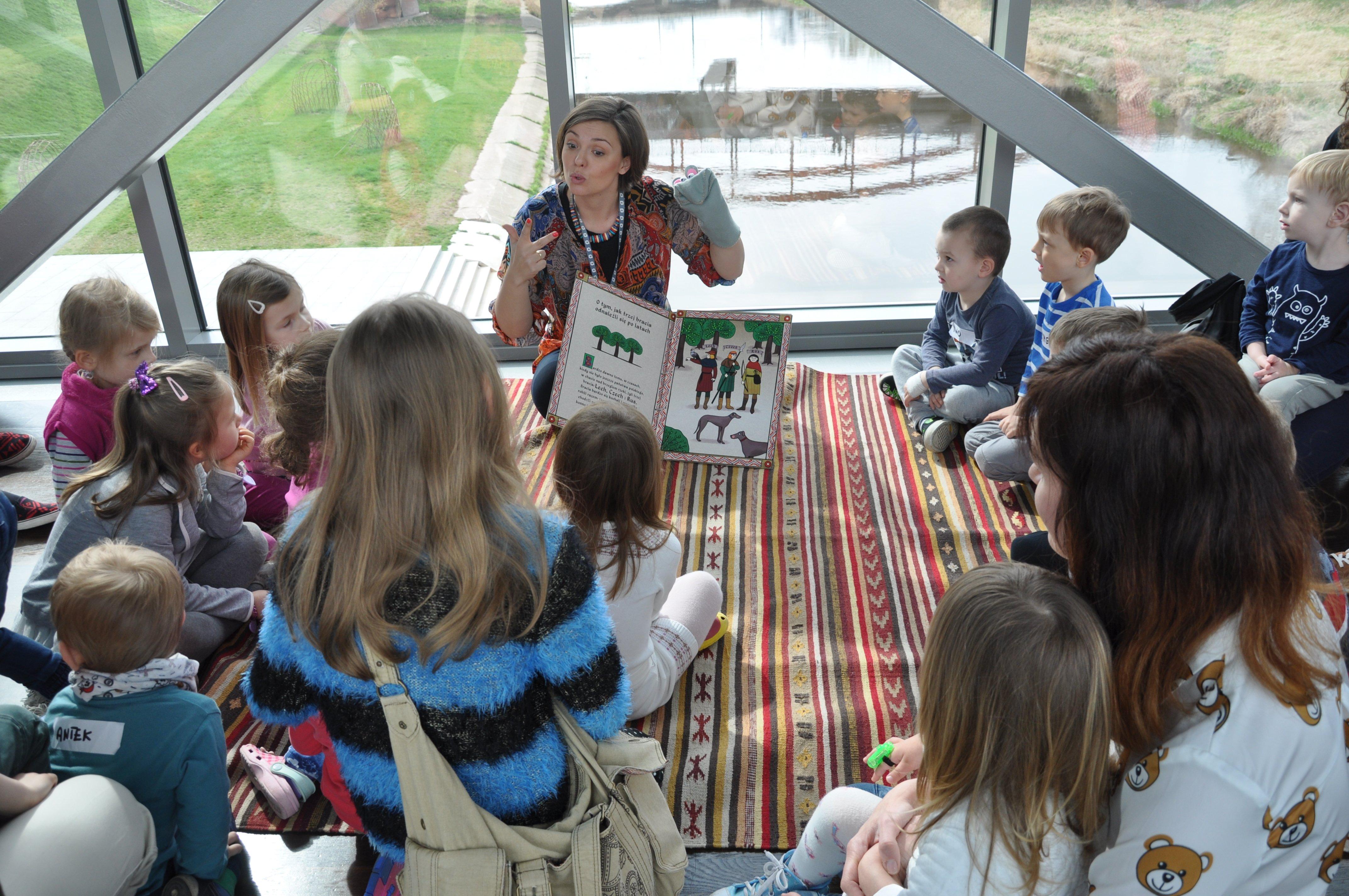 Muzyczny dywan – zajęcia dla rodzin z dziećmi 3-5 lat