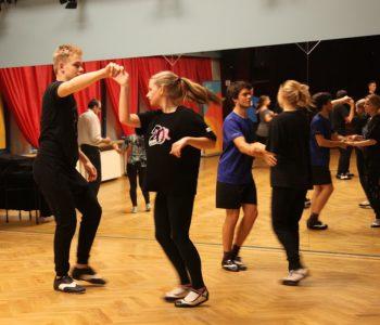 Ferie w DK Zacisze: Taniec towarzyski dla młodzieży
