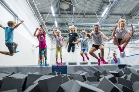 SALTOS parki trampolin w Łodzi