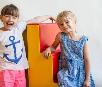 Pierwsze kroki w przedszkolu… czyli jak pomóc dziecku w radosnej adaptacji