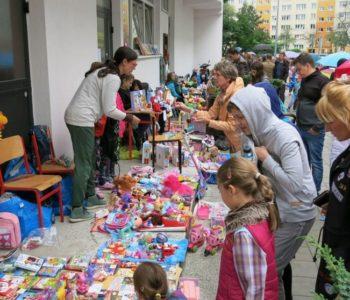 Dziecięcy pchli targ w Plamie GAK