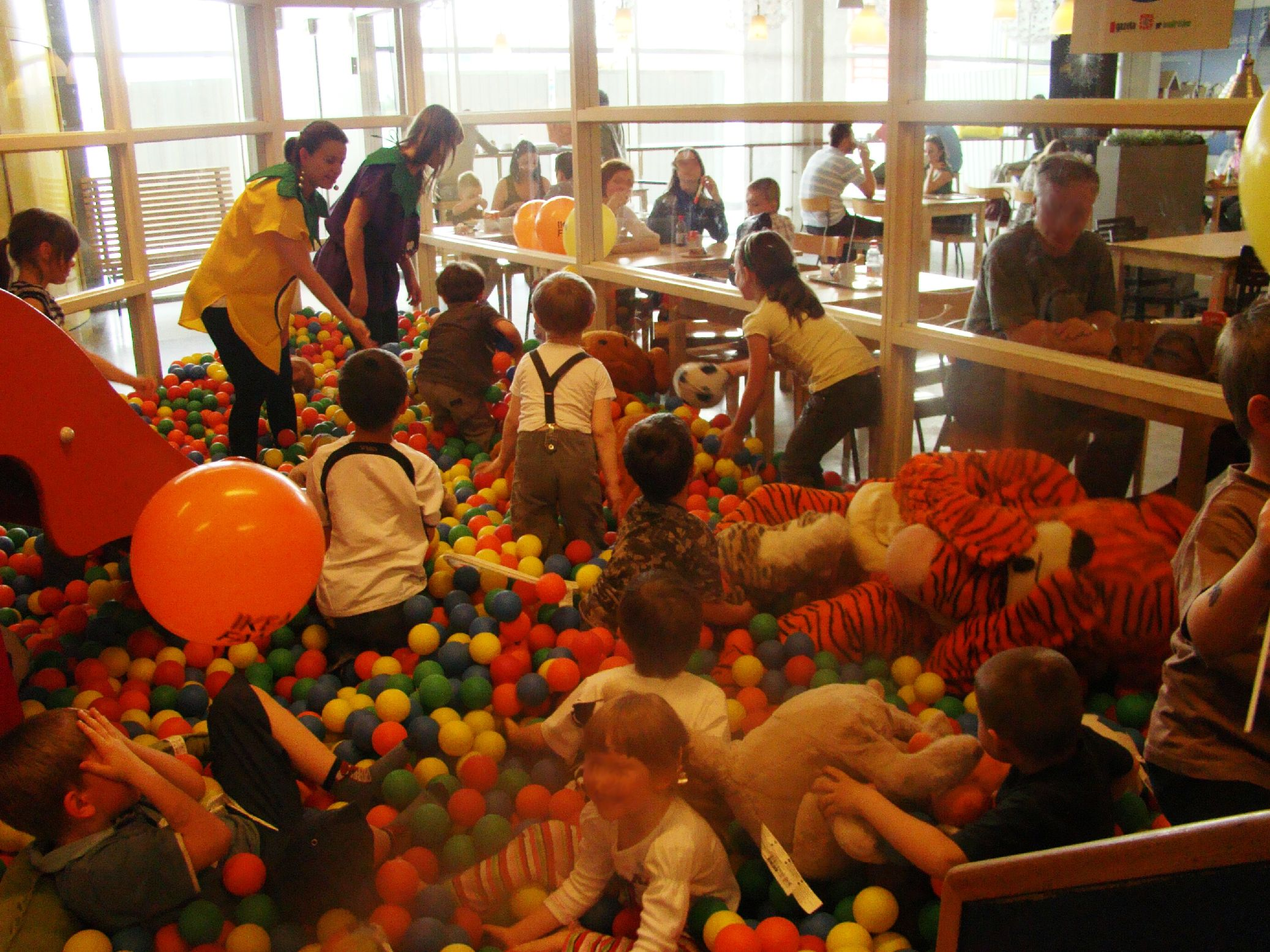 IKEA Kraków ma już 20 lat. Pamiętacie, jak robiło się zakupy pod koniec lat 90-tych?