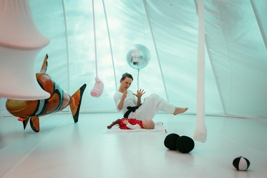 MaMoMi - instalacja performatywna dla dzieci w Nowym Teatrze