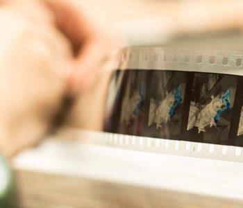 Warsztaty kolorowania taśmy filmowej