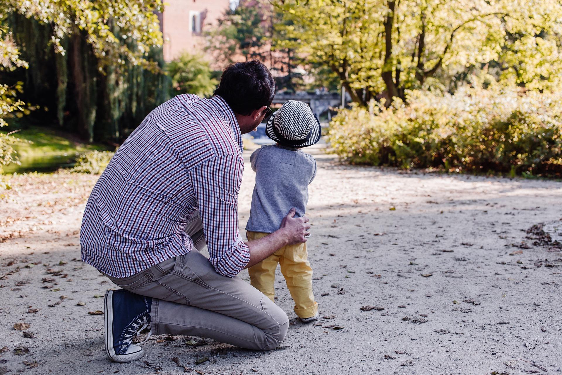Tata czarodziej, piosenka na Dzień Ojca, tekst i melodia