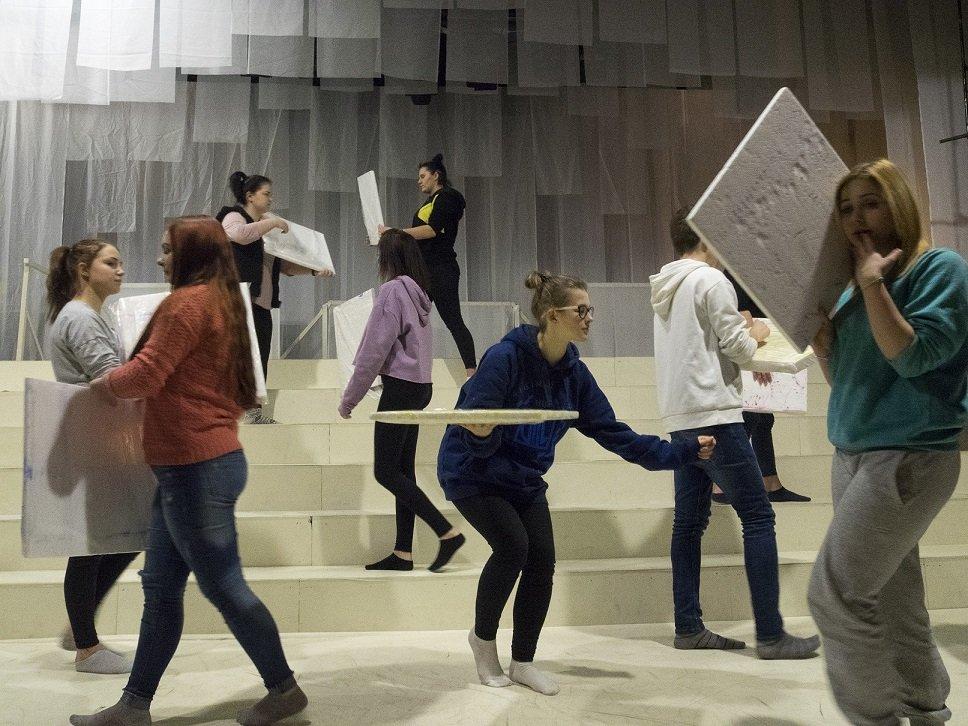 Premiera spektaklu Zakład o… grupy Otwarta Scena w Teatrze Lalka