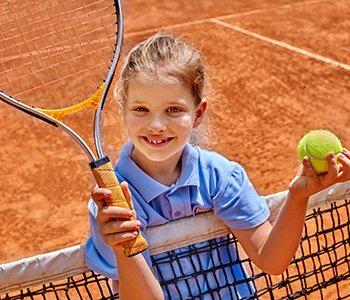 Pólkolonie i obozy tenisowe