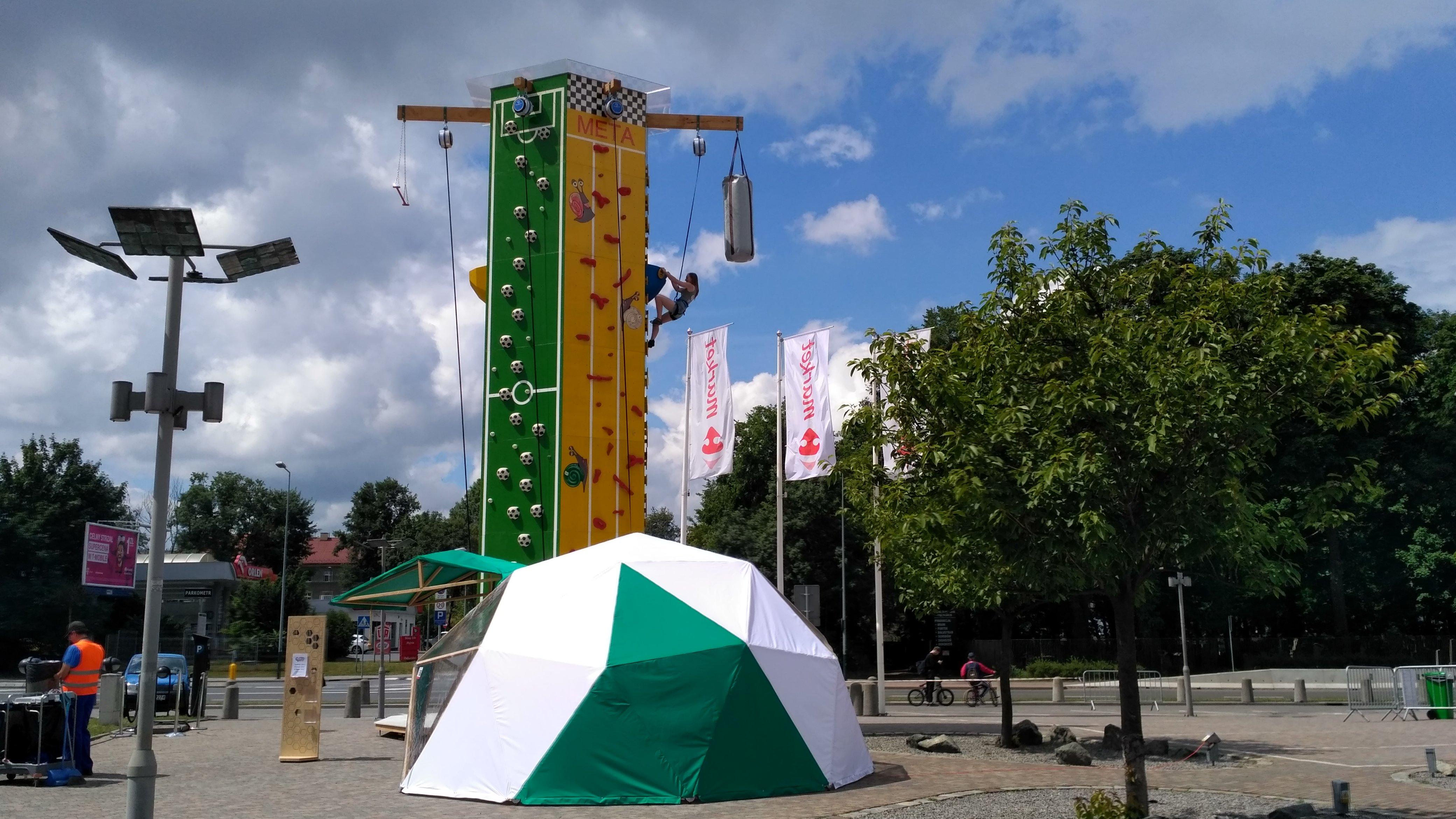 Ścianka wspinaczkowa Mobius Fun przy Galerii Kazimierz zaprasza!