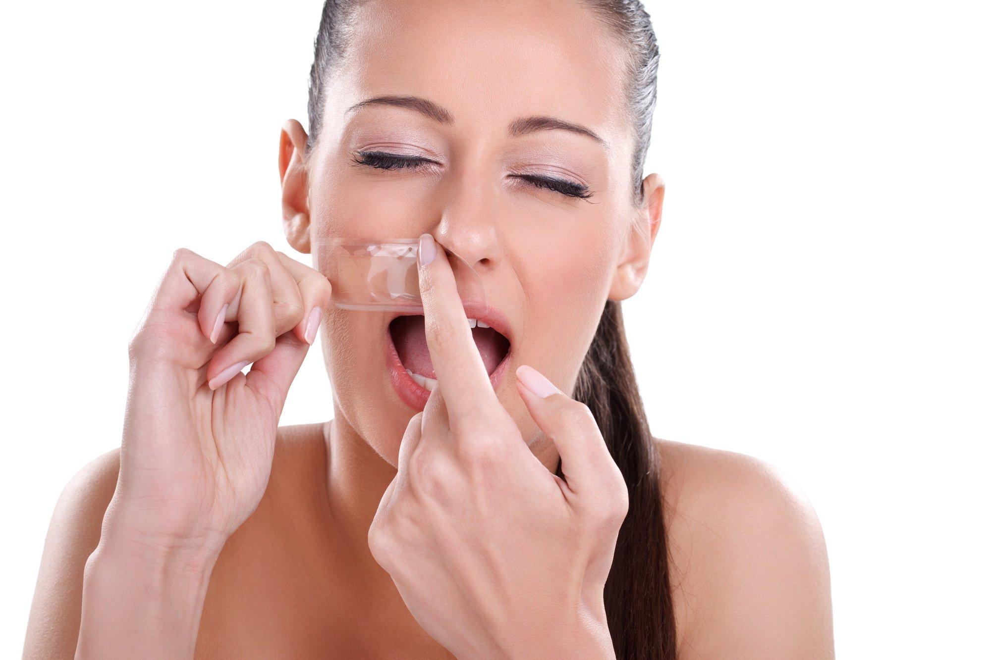 Jak usuwać włosy z twarzy