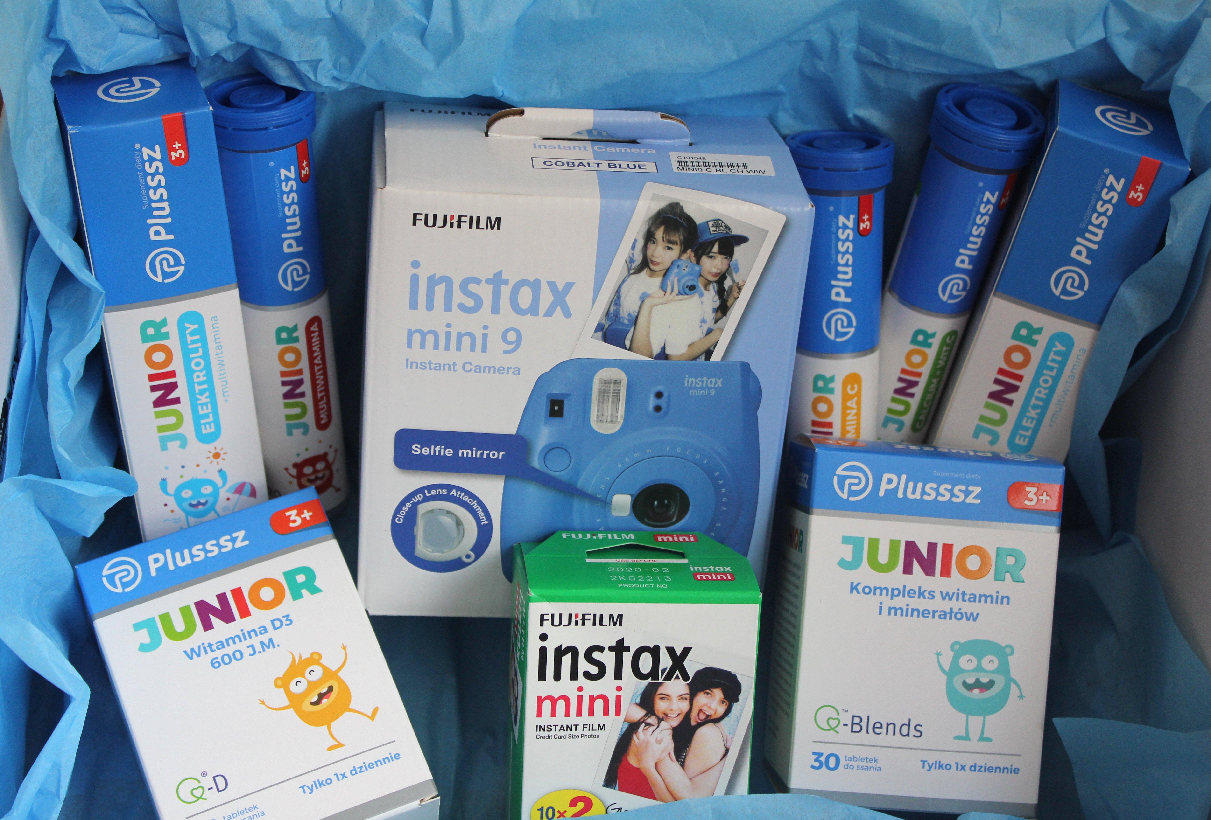 Wakacyjny konkurs fotograficzny a w nim do wygrania aparat Instax Mini 9 z zestawem suplementów diety Plusssz Junior