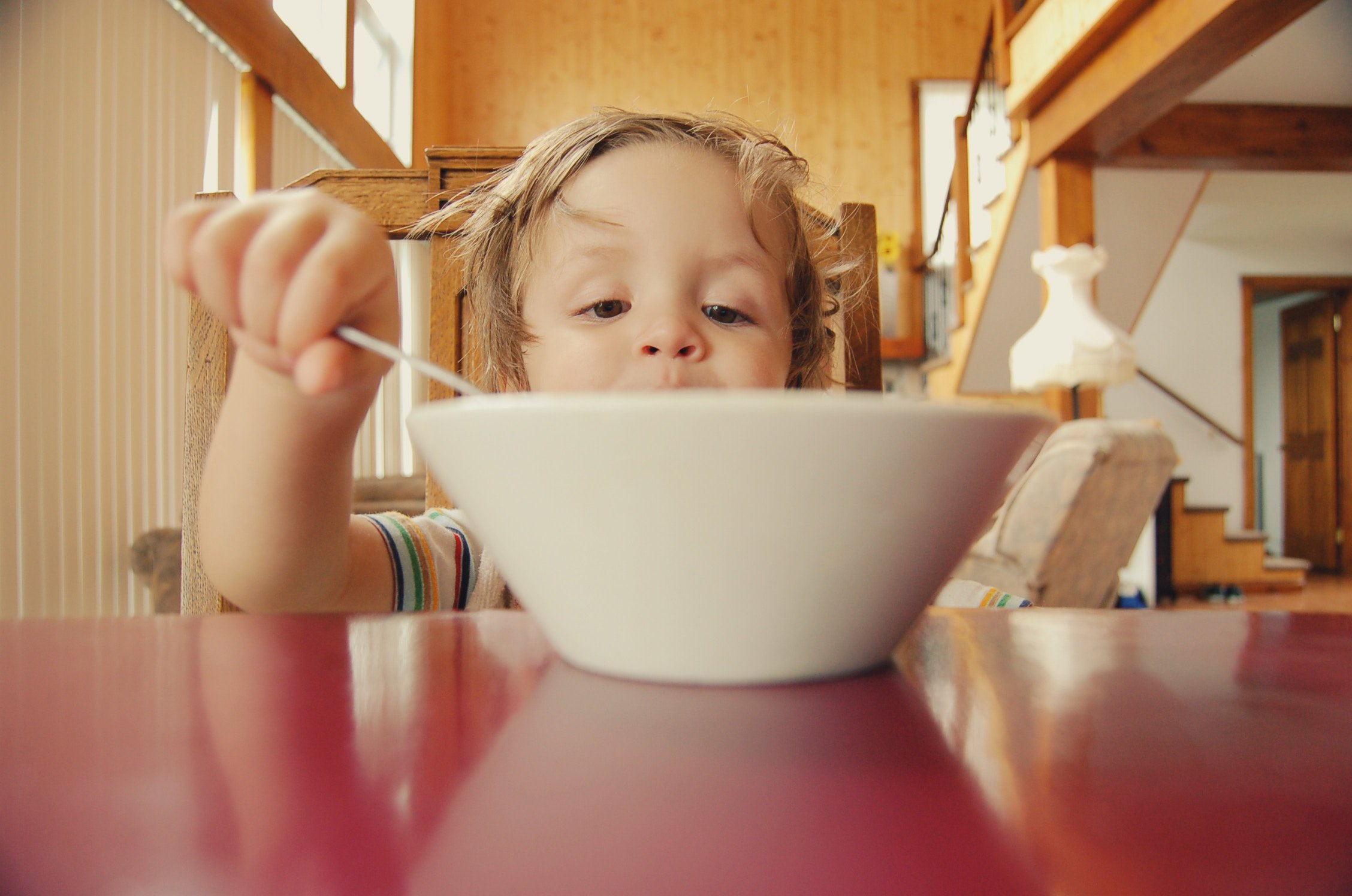 Na co zwracać uwagę w żywieniu dzieci?
