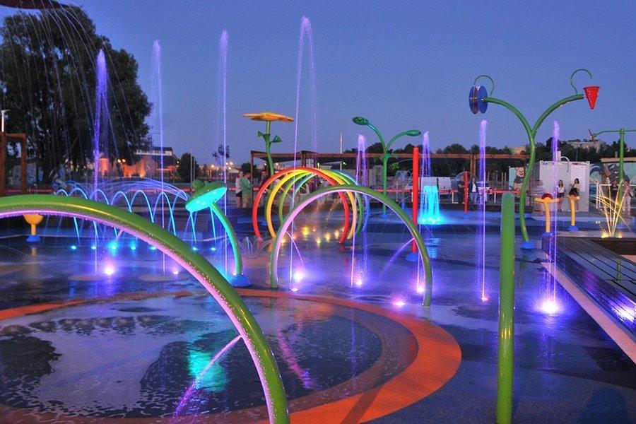 wodny plac zabaw turek wieczor