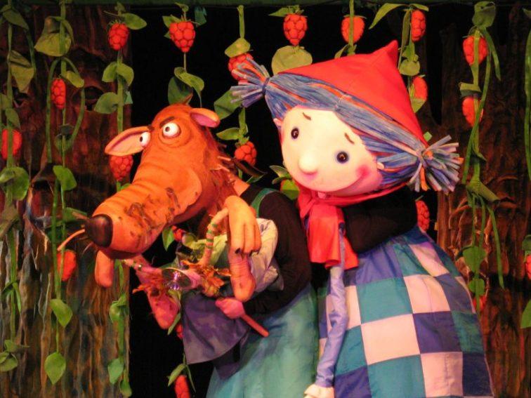 Strefa dziecka w Teatrze Małym: O dziewczynce Katarzynce Czerwonym Kapturkiem zwanej