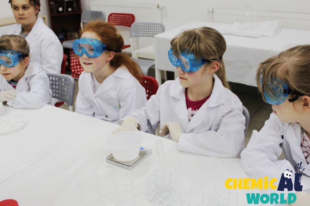 Wybuchowe warsztaty chemiczne dla dzieci