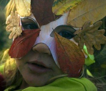 Maska z liści
