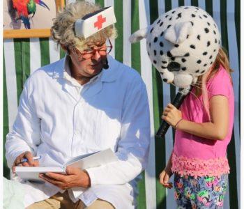 niedzielny spektakl dla dzieci o Dr Dolittle w Miescie Aniołów