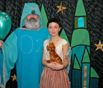 Teatrzyki Niedzielne: Magiczna Kraina Czarnoksiężnika Oz-ona