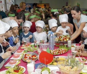 Uczniowie w całej Polsce świętują Dzień Śniadanie Daje Moc