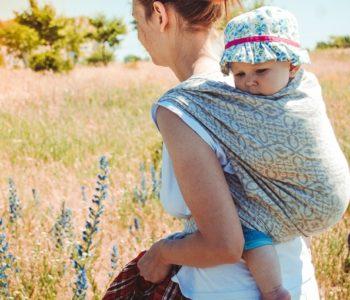 Warsztaty chustowe – kieszonka (dla maluszków 3-6 miesięcy)