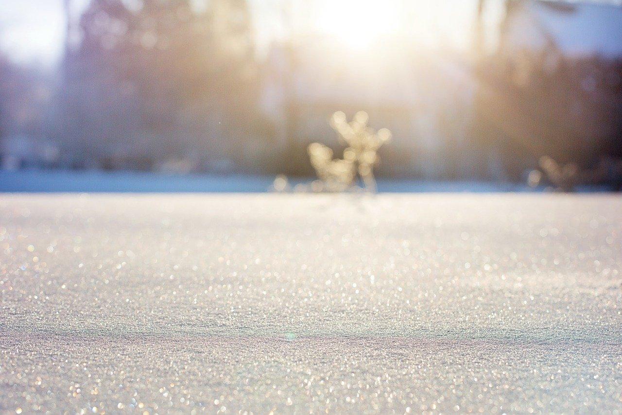 Mali Einsteini: Dlaczego pada śnieg?